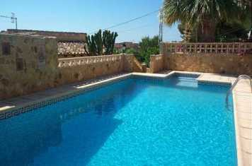 Villas to rent abroad in Spain