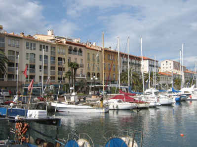 Luxury air-conditioned waterfront apartment Port-Vendres France