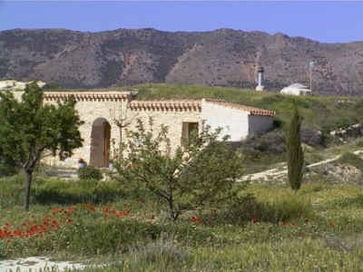 Rural cave-house holiday accommodation in Fuente Nueva Granada Spain